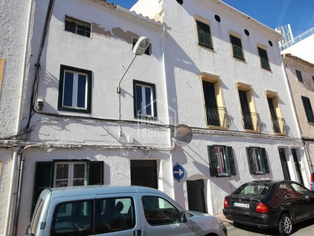 Interesante proyecto de renovación en pleno centro de Es Castell, Menorca.
