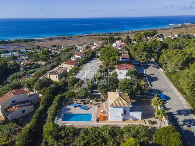 Beautiful villa with tourist license in one of the best beaches in Menorca.