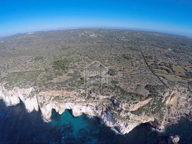 Estate with more than 90hec. located near the sea