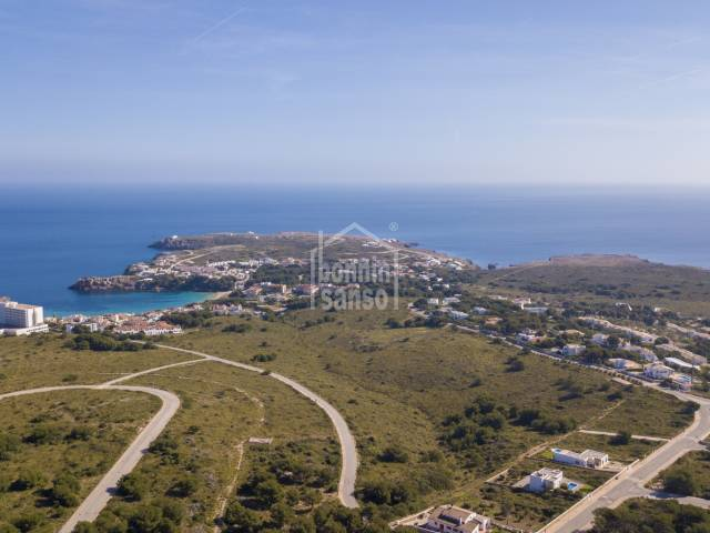 Building plot with distant sea views. Coves Noves Menorca