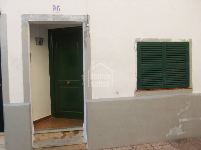 Ground floor apartment close to the town centre of Mahon