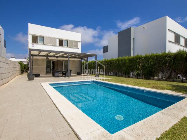 Attractive modern villa with Tourist license, private garden and pool in Calan Bosch, Ciudadela, Menorca