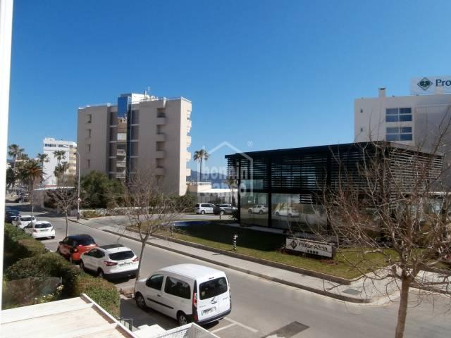 Apartamento con vistas a la playa de Cala Bona