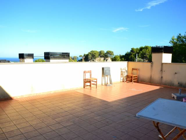 Apartment with 3 bedrooms and large terrace in Son Servera. Majorca