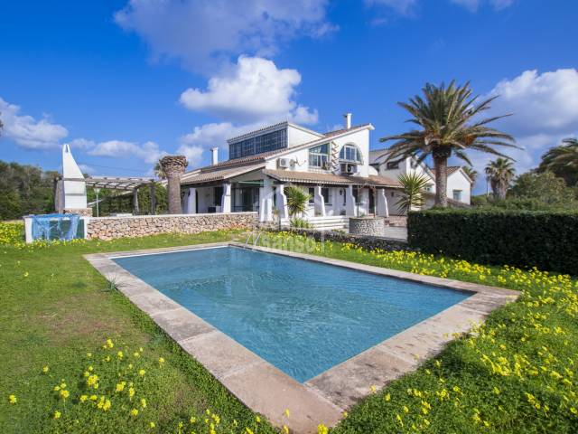 Country house overlooking the sea in Canutells, Menorca