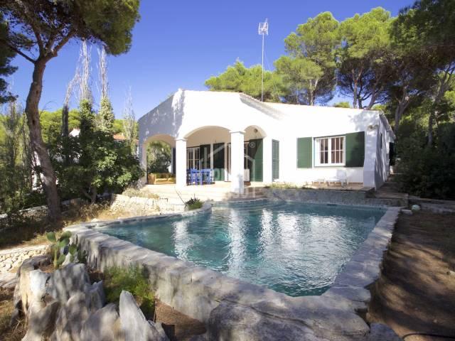 Elegante Villa en Golf y Playa Menorca
