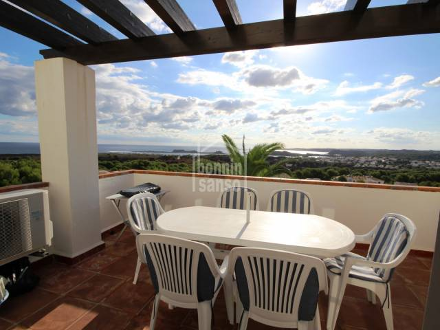 Duplex in Coves Noves with fantastic panoramic views over the sea