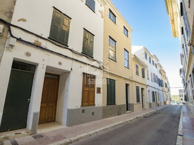 Ground floor with a large patio in Mahon, Menorca