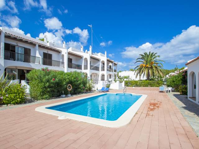 Fantastic terraced duplex apartment very close to the golf course in Son Parc, Menorca.