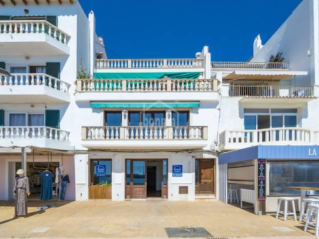 Local comercial en el puerto de Mahón, Menorca