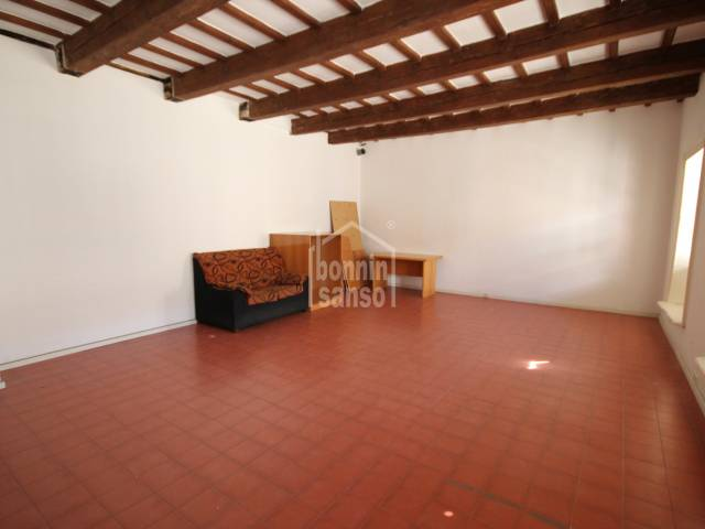 Property in Isabel II, Mahon