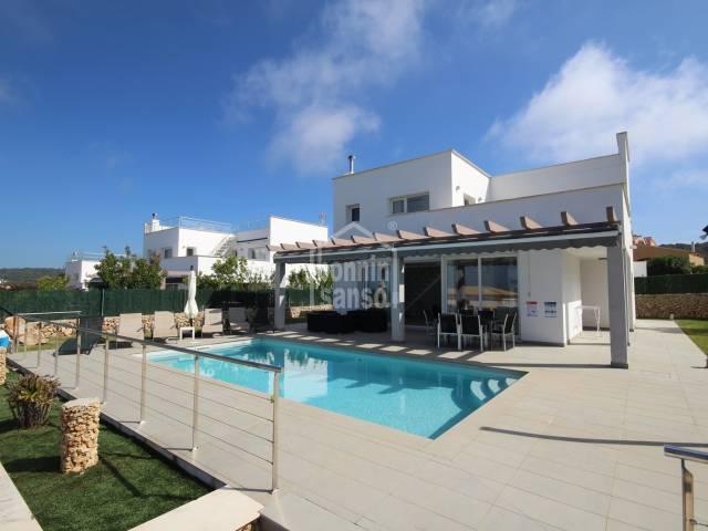 Moderne Villa in Son Bou, Menorca.