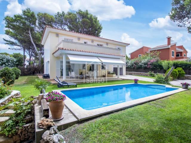 Excepcional villa en Urbanizacion Son Parc de Menorca.