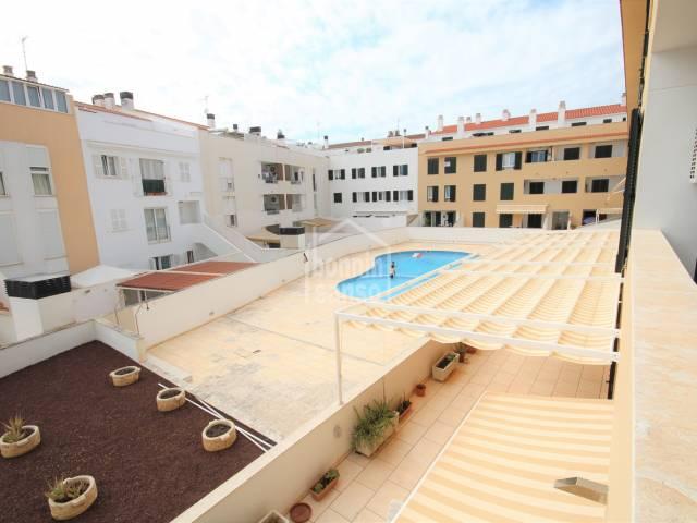 Vistas, Zonas comunitarias - Piso de dos dormitorios y dos baños en zona con máximos servicios, Ciutadella, Menorca