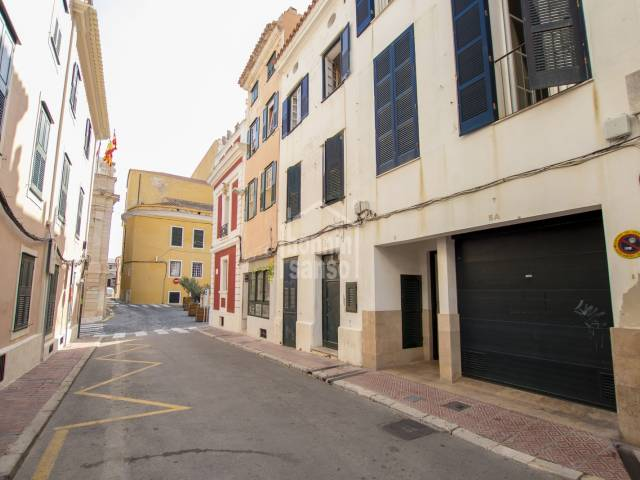 Recently renovated flat with elevator in the centre of Mahon, Menorca.