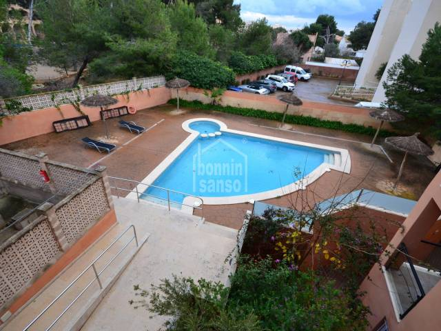 Apartment  of approx. 43m² in Cala Ratjada. 10 minutes from Cala Agulla beach. 1 bedroom, completely renovated in 2009, community pool and lift.