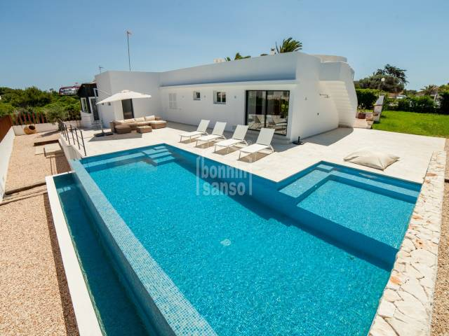 Excellent villa in Calan Blanes, Ciutadella, Menorca.