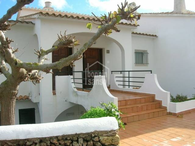 Detached house with lovely sea views in Coves Noves