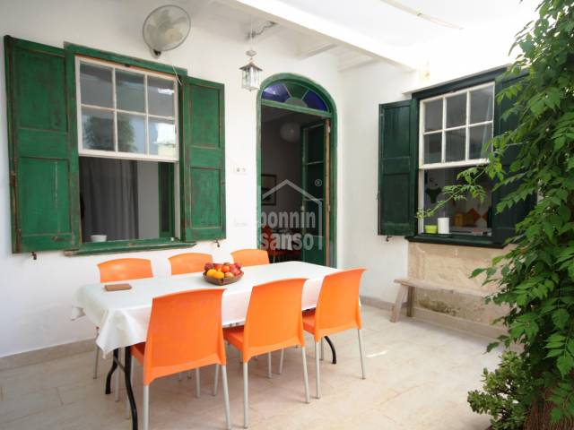 Charming townhouse on ground floor with terrace and garden in Es Castell