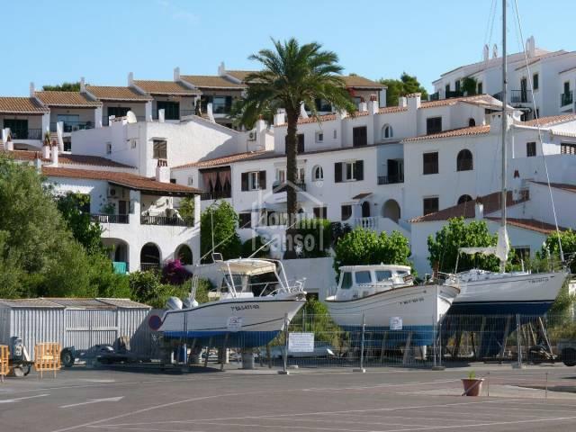 Duplex frente a la marina de Puerto Luz, Port Addaya, Menorca