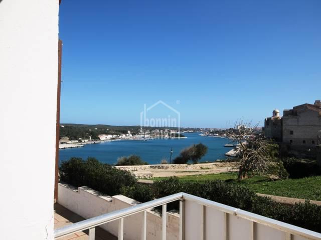 Planta baja con garaje y excepcionales vistas al Puerto