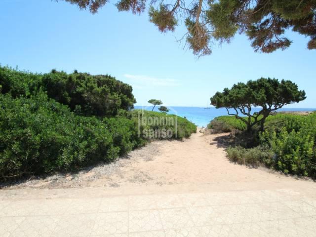 Gran chalet en primera línea con acceso directo al mar, a Son Xoriguer, costa sur, Ciutadella, Menorca