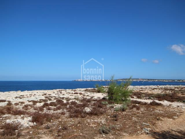 Beautiful front line plot in Cala Blanca, Ciutadella, Menorca