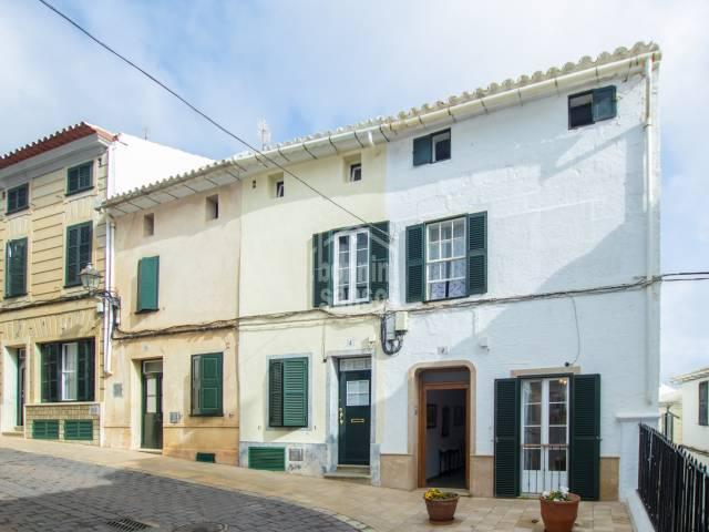 Interesting corner house- Alayor, Menorca