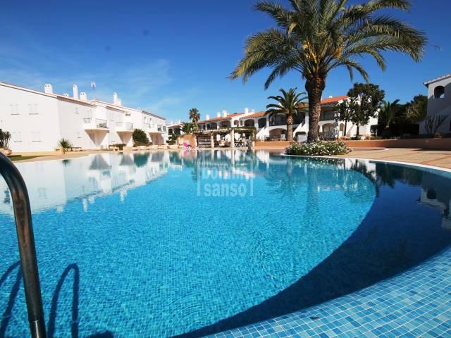 Precioso apartamento con vistas al campo de golf, Menorca