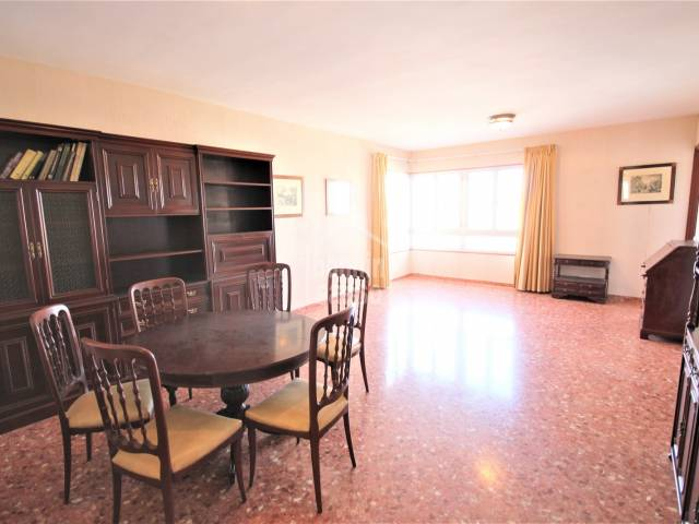 dining living room - Elegant 5th floor with elevator with fantastic views in the most residential area of Ciutadella, Menorca