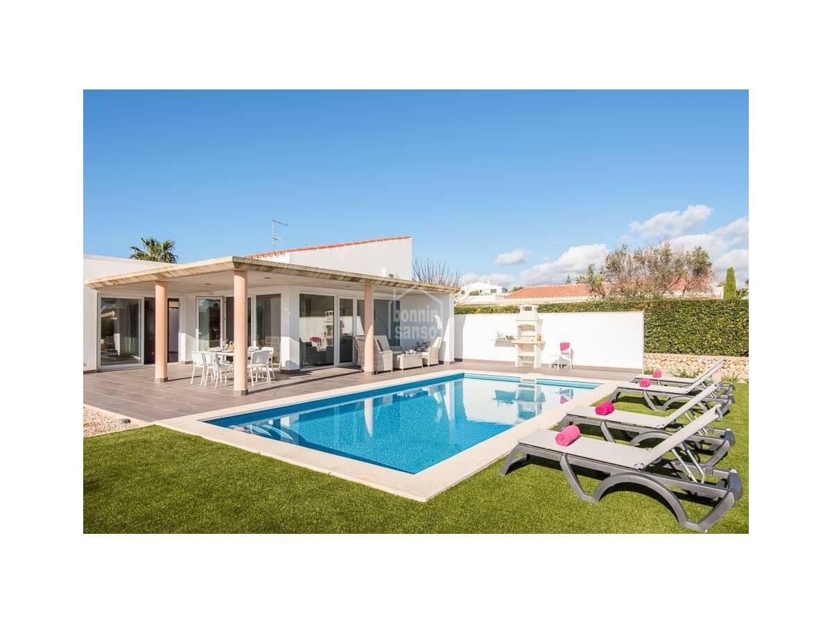 Comprar moderno chalet con piscina en binidali 24515 - Chalet con piscina ...