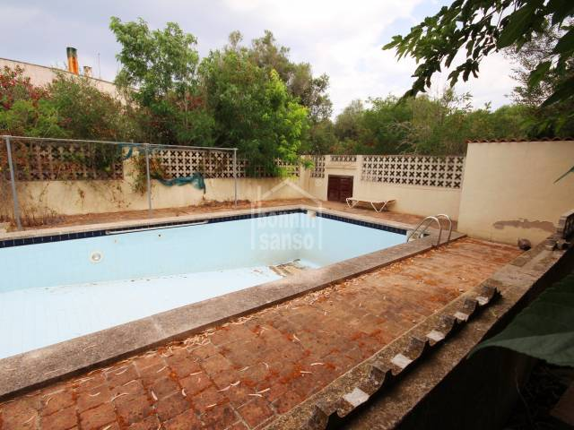 Plot of land in Son Vitamina with swimming pool.