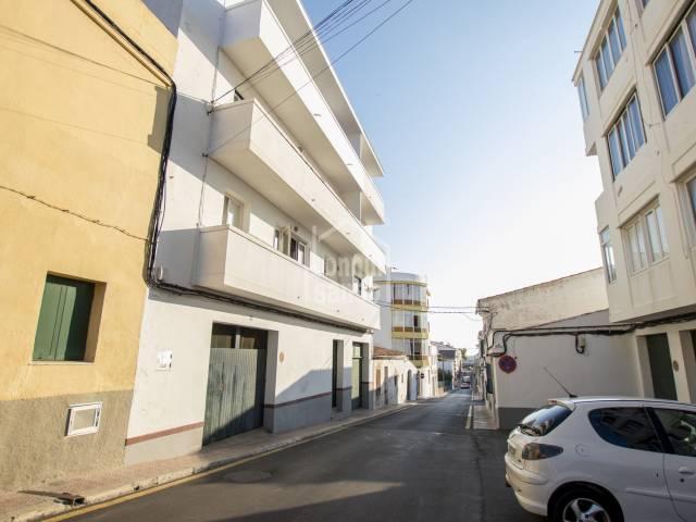 Piso en segunda planta sin ascensor, en zona residencial de Mahón, Menorca