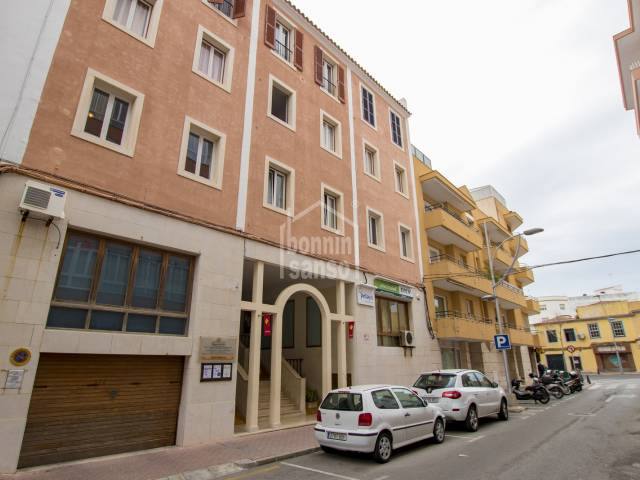 Cosy, first floor apartment close to the main square in Mahon. Menorca