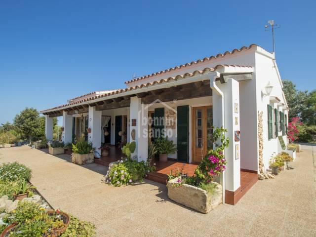 Acogedora casa de campo estilo menorquín con jardín en Cala Galdana, Ferrerias, Menorca.