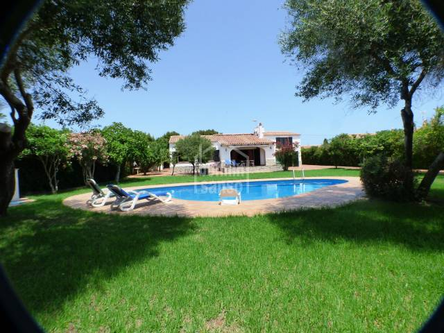Beautiful villa on the south coast of Menorca in Son Ganxo on a double plot of land.