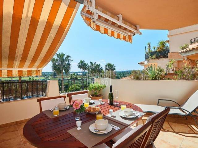 Sonniges Apartment mit Pool in Cala Millor, Mallorca