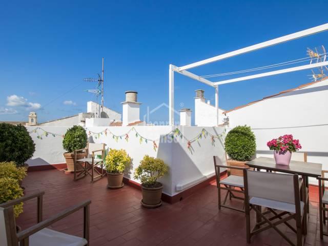 Preciosa y elegante casa menorquina ubicada en el centro de Maó (Menorca)