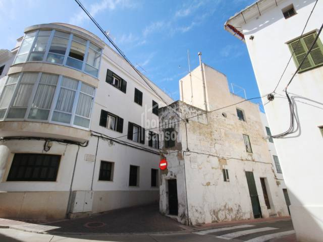 Town house in the centre of Mahon to be reformed.