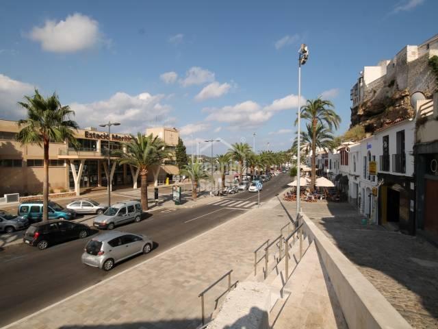 Bar de Copas en el puerto de Mahón, en Menorca.