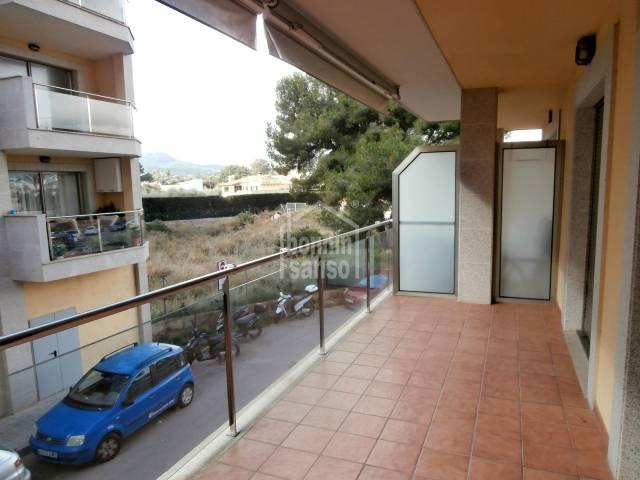 Apartment im 1. Stock in Cala Bona, nahe dem Hafen, 1 Schlafzimmer.