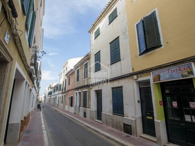Interesting house with patio to renovate in the centre of Mahón, Menorca