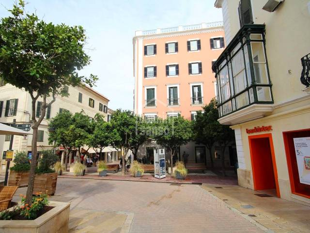 Commercial premises on second floor with elevator in the center of Mahón, Menorca