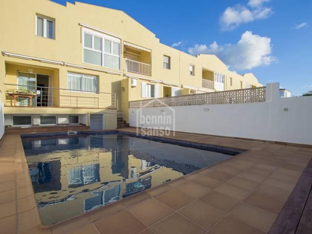 Chalet adosado con piscina en Malbuger, Mahón, Menorca