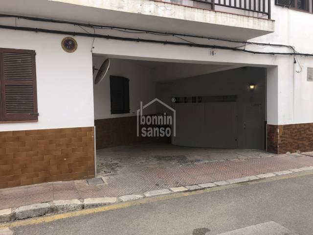 Plaza de parking en Mahon, Menorca