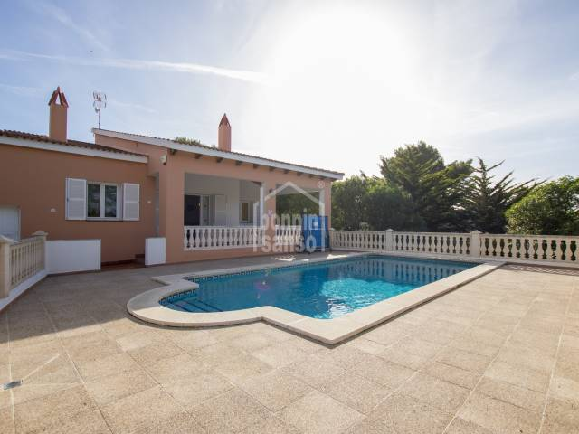 Villa with tourist licence in the Lovely cove of Canutells. Menorca