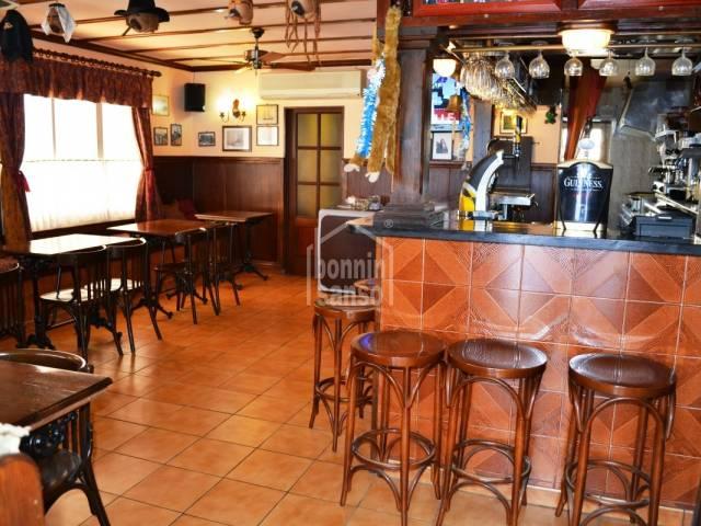 Bar/restaurant in Calan Porter