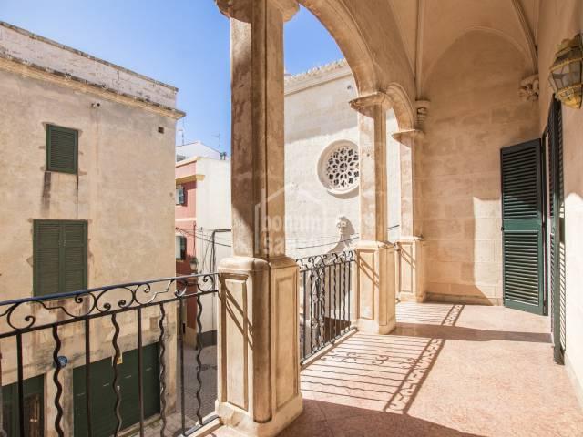 Palacio Señorial en magnífico estado de conservación en pleno centro histórico de Ciutadella.