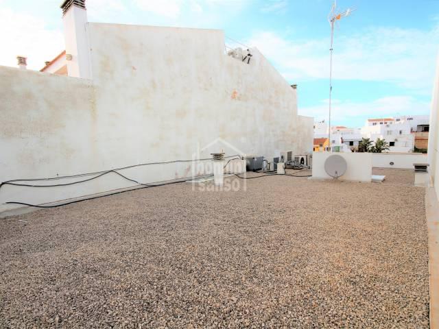 Derecho a vuelo con vistas al Pla de Sant Joan de Ciutadella de Menorca.