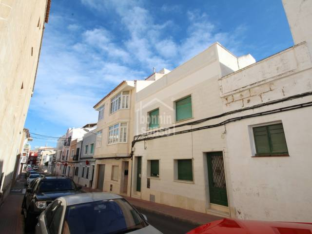 Whole building for sale, centre Es Castell, Menorca